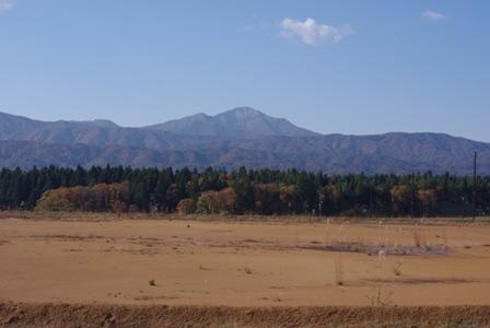 晩秋の米山